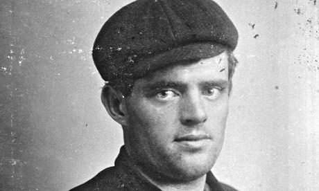 Jack London, yazar intihar etmiştir. (DY-1876) tarihte bugün