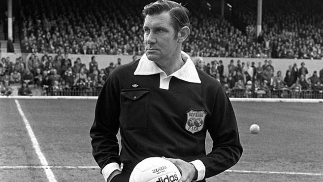 Jack Taylor, ingiliz futbol hakemi (DY-1930) tarihte bugün