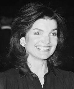 Jacqueline Kennedy Onassis, ABD başkanlarından John F. Kennedynin eşi (ÖY-1994) tarihte bugün