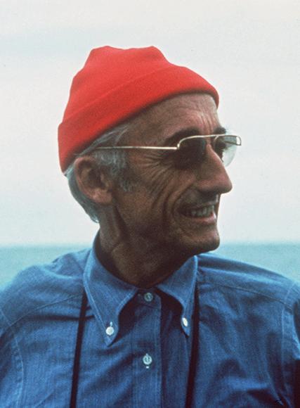 Fransız okyanusbilimci Jacques Cousteau. tarihte bugün
