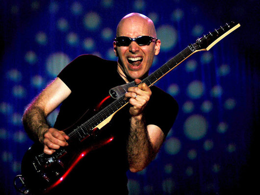 Joe Satriani, Amerikalı gitarist tarihte bugün