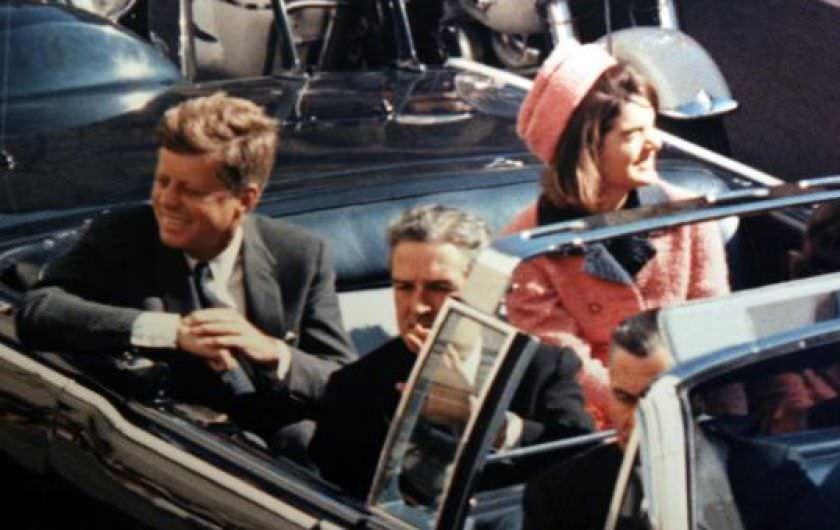 John Kennedy Dallasta öldürüldü suikast