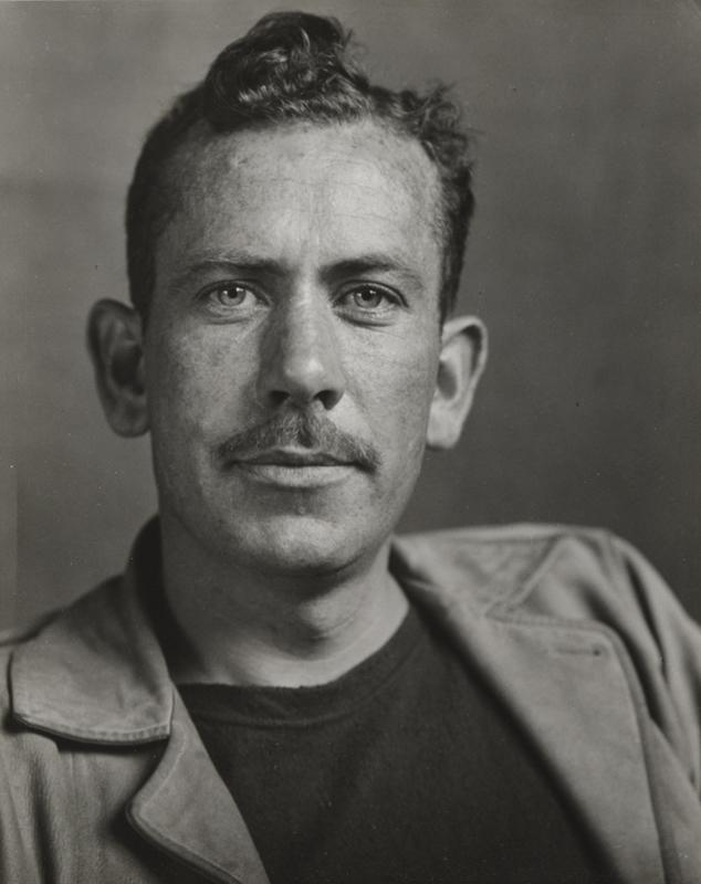 Amerikalı yazar John Steinbeck. tarihte bugün