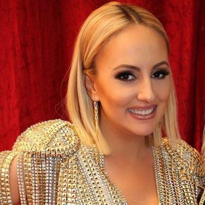 Juliana Pasha, Arnavut şarkıcı tarihte bugün