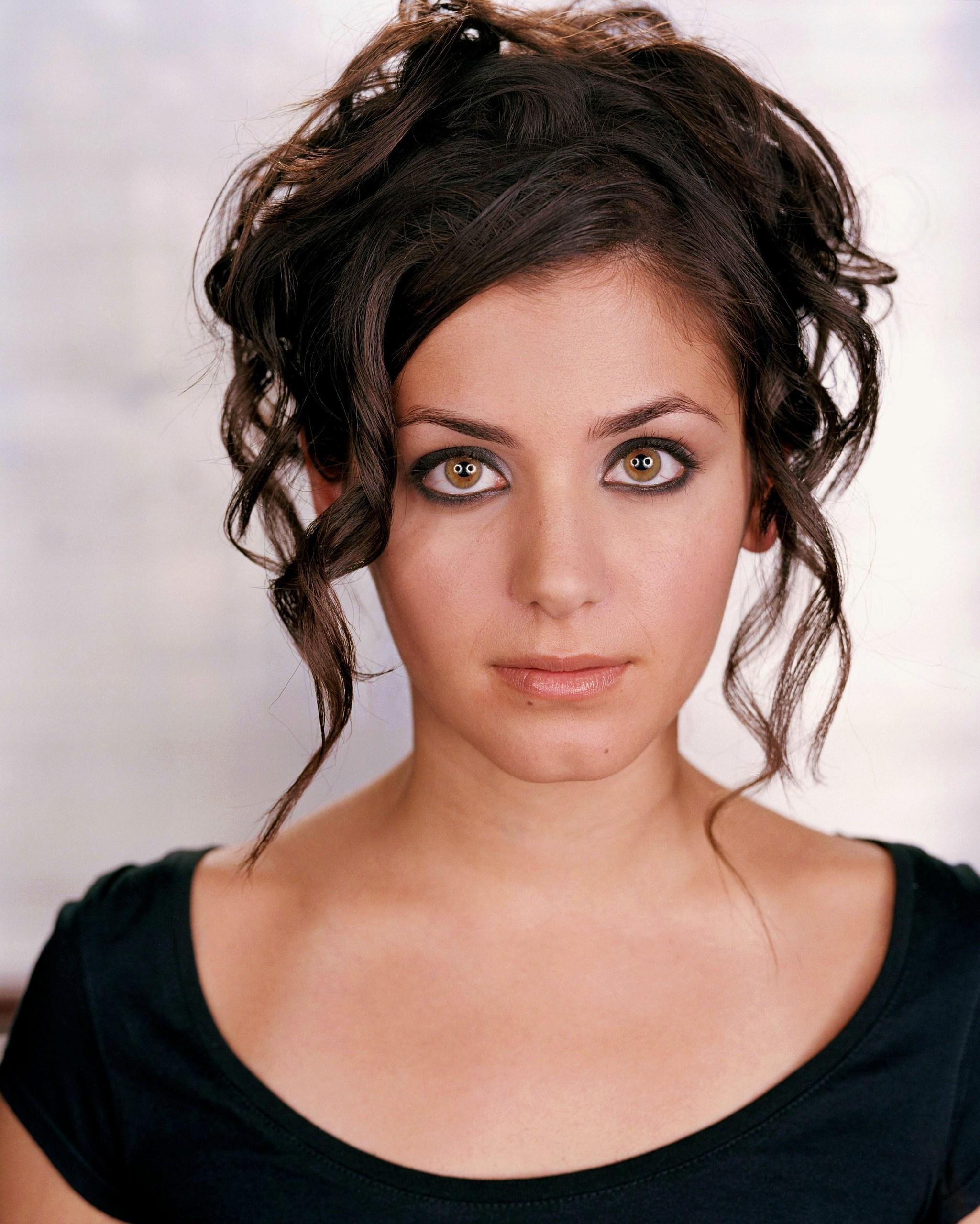 Katie Melua, Gürcü asıllı ingiliz şarkıcı tarihte bugün