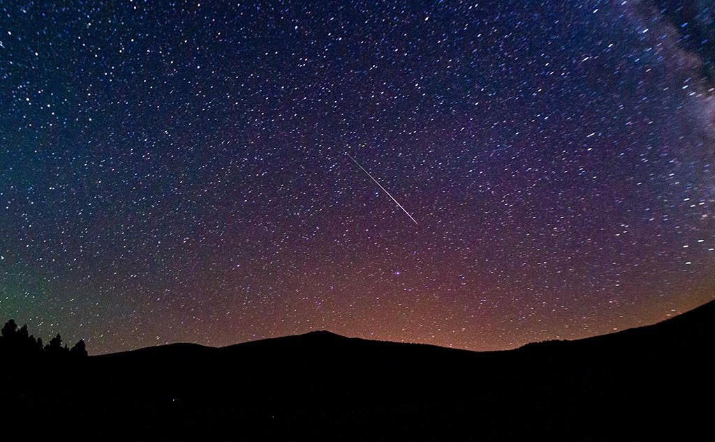 Kayıtlara geçen ilk meteor, İskoçya'ya düştü.  tarihte bugün