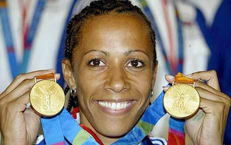 Kelly Holmes, ingiliz atlet tarihte bugün