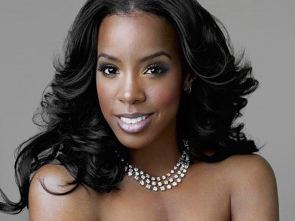 Kelly Rowland, Amerikalı R&B şarkıcısı,dansçılık ve oyunculukta yaptı tarihte bugün
