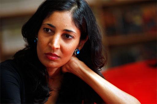 Kiran Desai, Hint yazar tarihte bugün