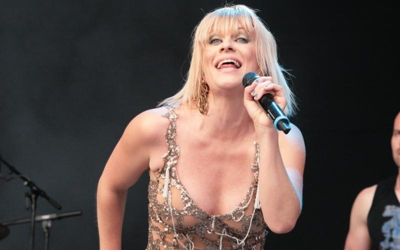 Laura Voutilainen, şarkıcı