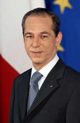 Lawrence Gonzi, Malta başbakanı tarihte bugün
