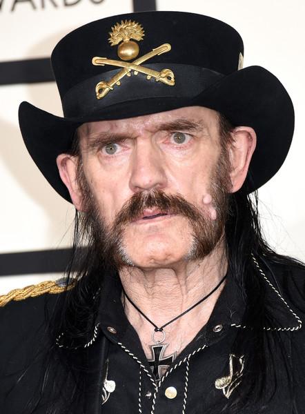 İngiliz heavy metal grubu Motörhead'in solisti Lemmy Kilmister 70 yaşında hayatını kaybetti. tarihte bugün
