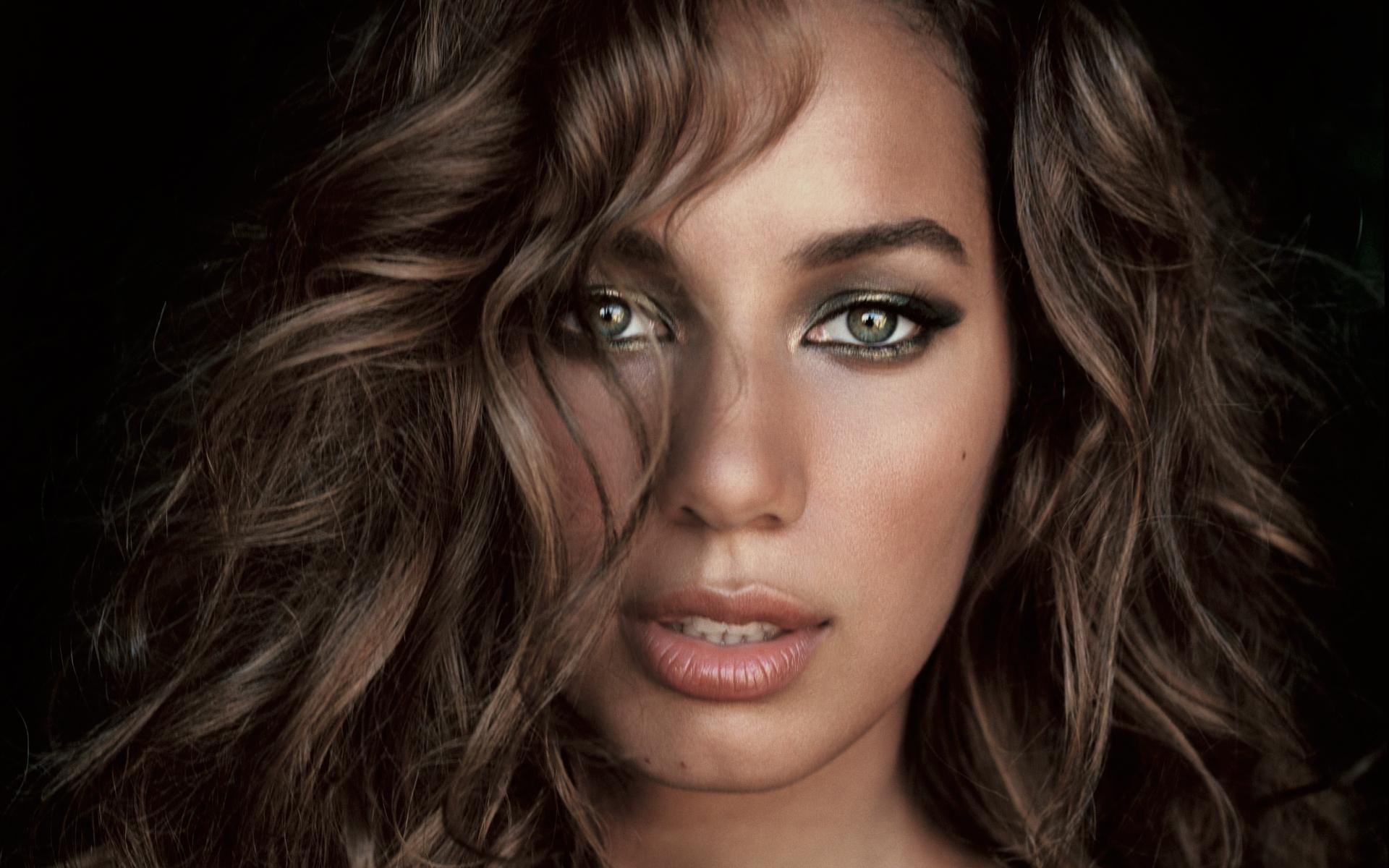 Leona Lewis, ingiliz şarkıcı tarihte bugün