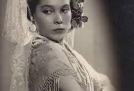 Leyla Arzuman, Lydia Krassa Arzumanova, Türkiye klasik bale eğitiminin temelini atmıştır. İlk özel bale okulunu kurmuştur. Azeri kökenlidir tarihte bugün