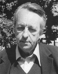 Felsefeci Louis Althusser intihar ederek. tarihte bugün