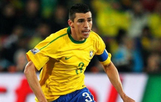 Lucio, Brezilyalı futbolcu tarihte bugün