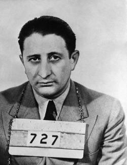 Carlo Gambino, Sicilyalı mafya lideri (ÖY-1976) tarihte bugün