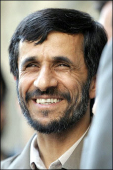Mahmud Ahmedinecad, iran devlet başkanı tarihte bugün