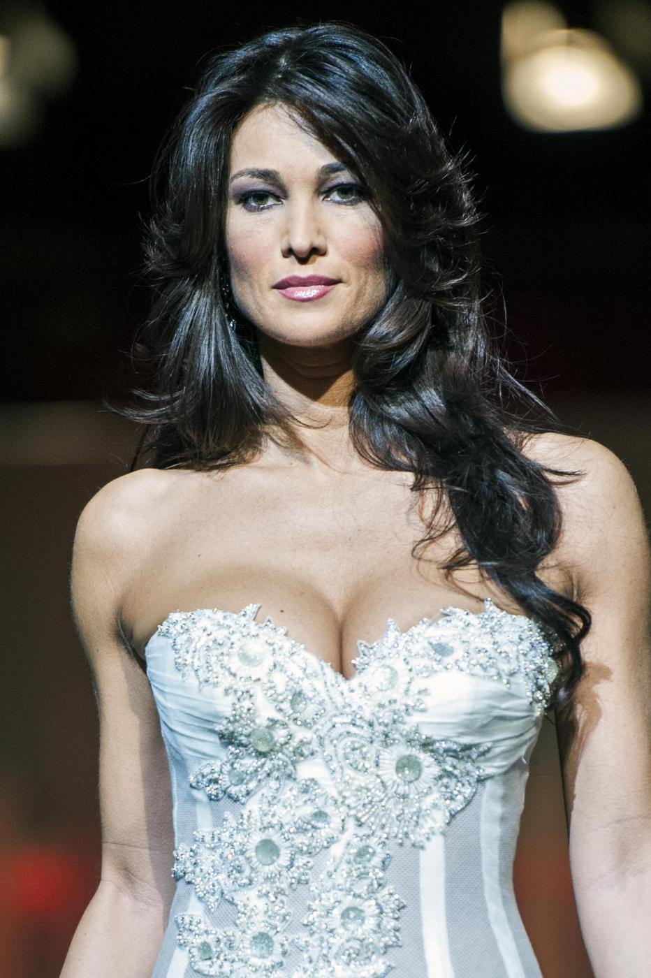 Manuela Arcuri Doğdu