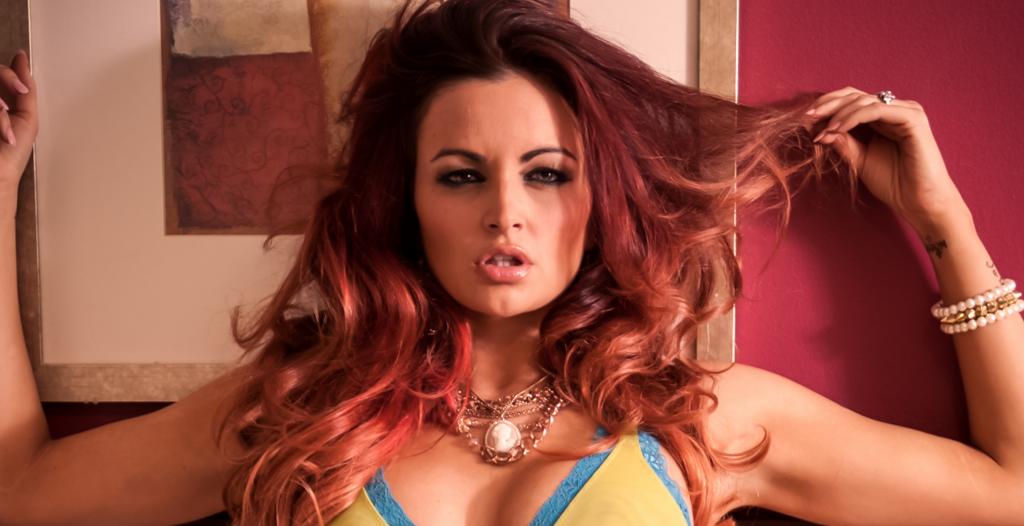 Maria Kanellis, Amerikalı profesyonel güreşçi,şarkıcı,manken