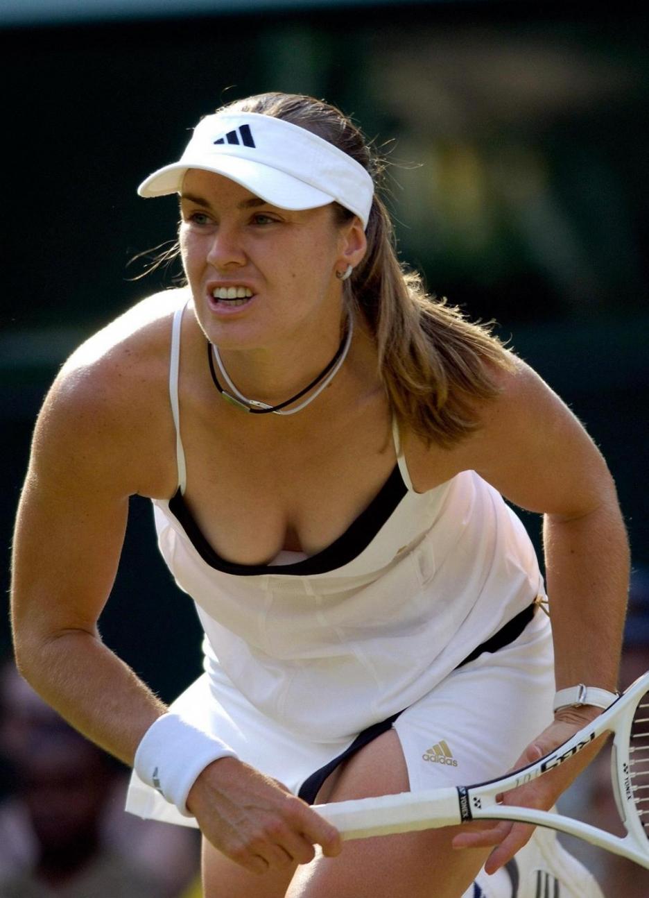 Martina Hingis, isviçreli tenis oyuncusu tarihte bugün