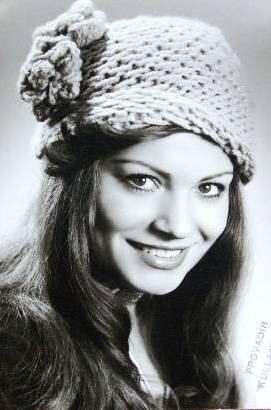 Meral Zeren, aktris, ses sanatçısı tarihte bugün