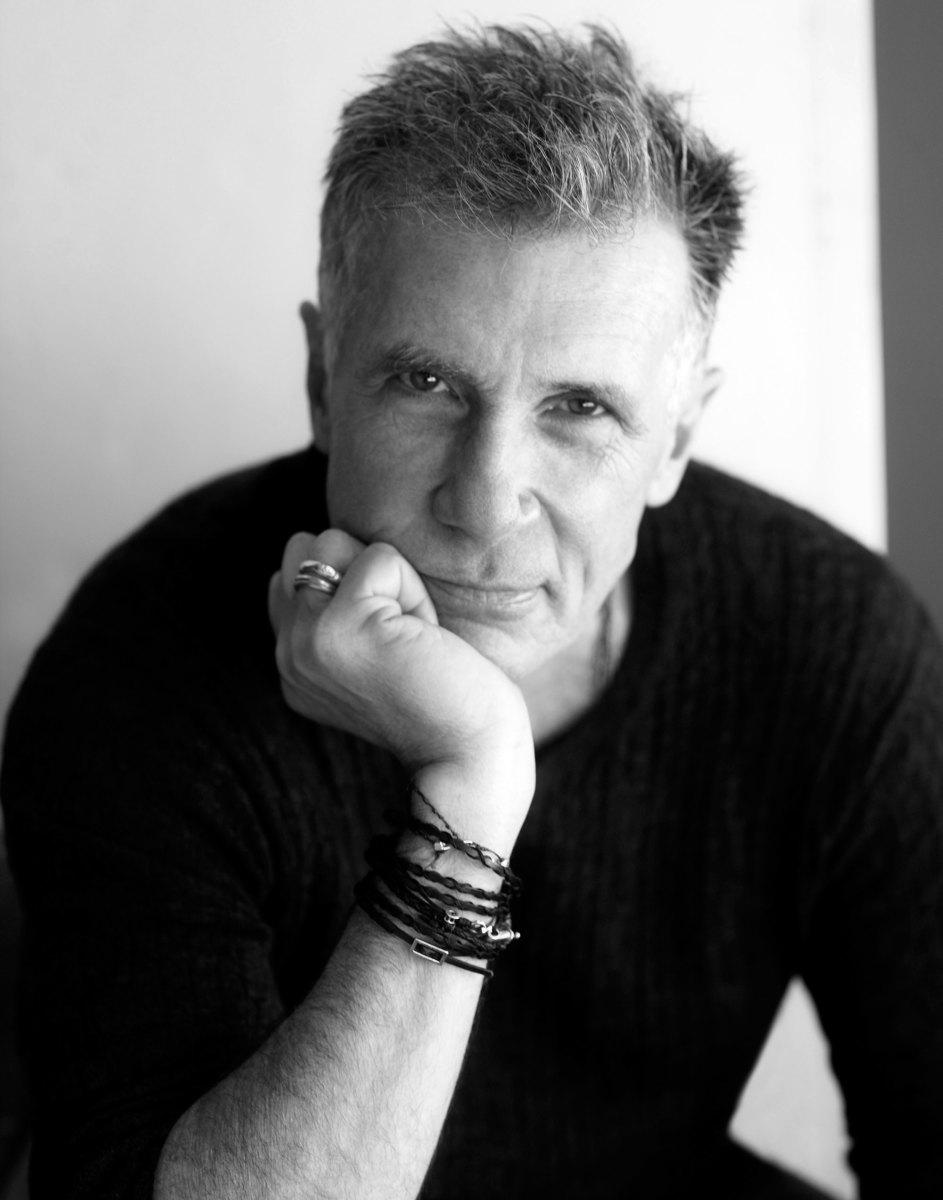 Michael Cunningham, Amerikalı yazar tarihte bugün