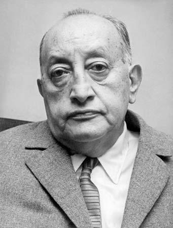 Miguel Angel Asturias, Guatemalalı yazar, diplomat. Nobel Edebiyat Ödülü sahibi (ÖY-1974) tarihte bugün