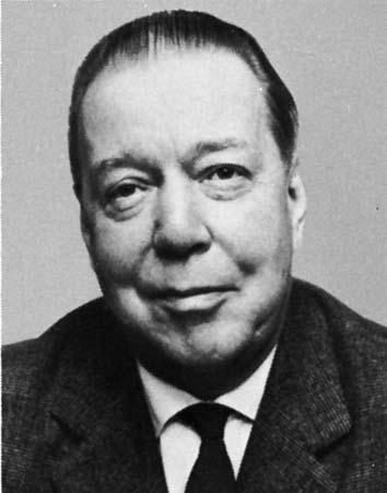 Mika Waltari, Finlandiyalı yazar (DY-1908) tarihte bugün
