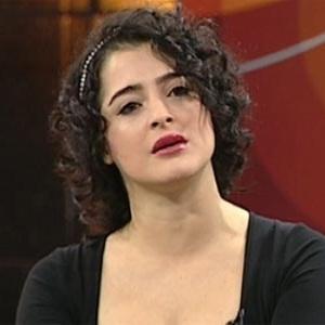 Mine Çayıroğlu, oyuncu ve şarkıcı tarihte bugün