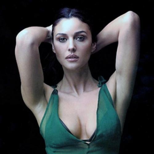 Monica Belluci, italyalı oyuncu ve eski modellerden