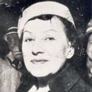 Müfide Ferit Tek, Türkçülük akımının roman türündeki ilk temsilcilerindendir, romancı (ÖY-1971) tarihte bugün