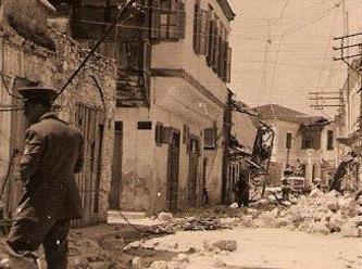 Muğla Fethiye-Rodos'ta 7.1 büyüklüğünde deprem oldu. 67 kişi öldü, 3 bin 200 bina hasar gördü. tarihte bugün
