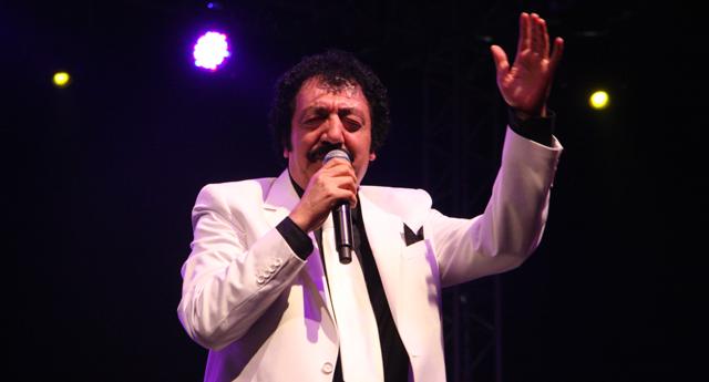 Müslüm Gürses, müzisyen, şarkıcı, Baba lakaplı ses sanatçısı (ÖY-2013) tarihte bugün