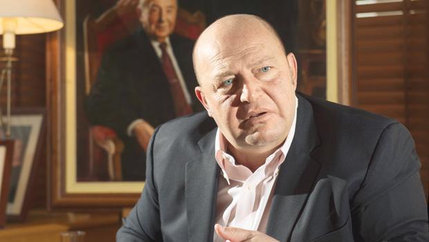 Koç Holding Yönetim Kurulu Başkanı Mustafa Koç kalp krizi geçirerek hayatını kaybetti. tarihte bugün