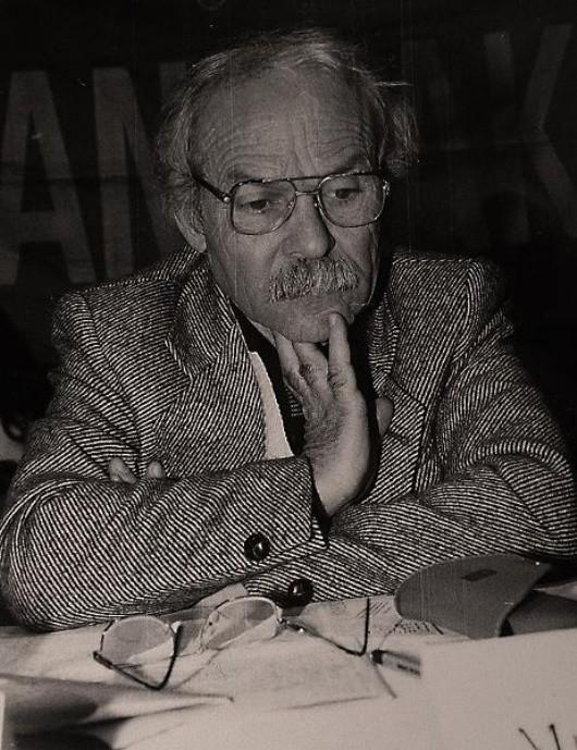 Yazar Muzaffer İzgü 84 yaşında hayatını kaybetti. tarihte bugün