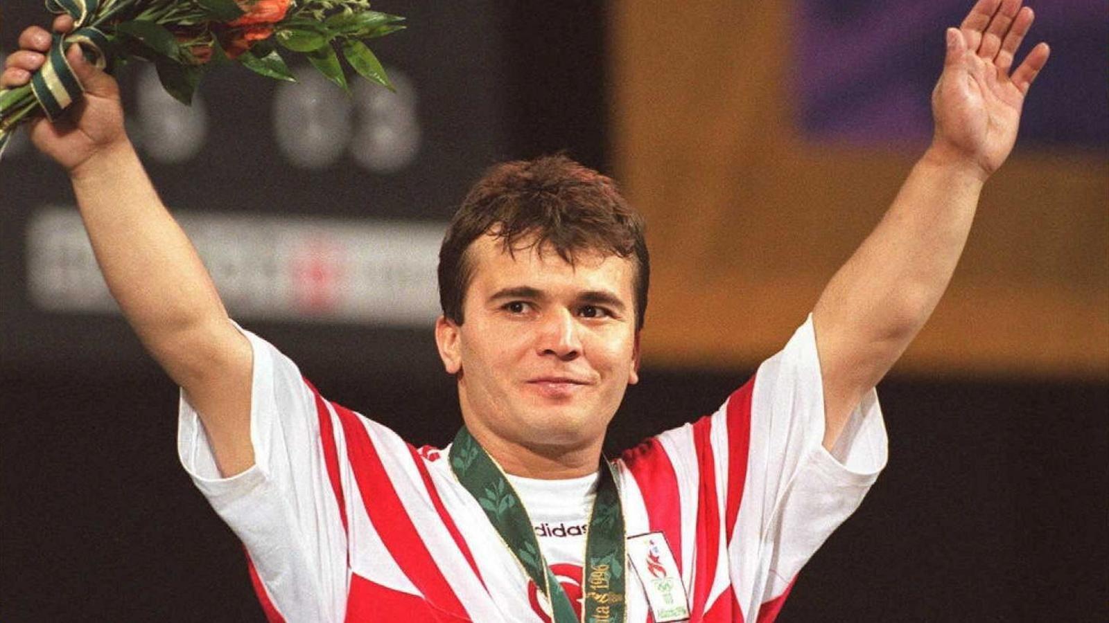 Olimpiyat şampiyonu eski milli halterci Naim Süleymanoğlu, tedavi gördüğü hastanede hayatını kaybetti. tarihte bugün
