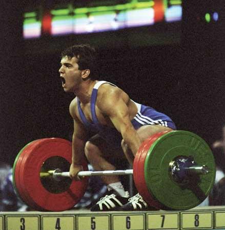 Naim Süleymanoğlu Seul Olimpiyat Oyunları'nda halter dalında 6 dünya rekoru kırdı. tarihte bugün
