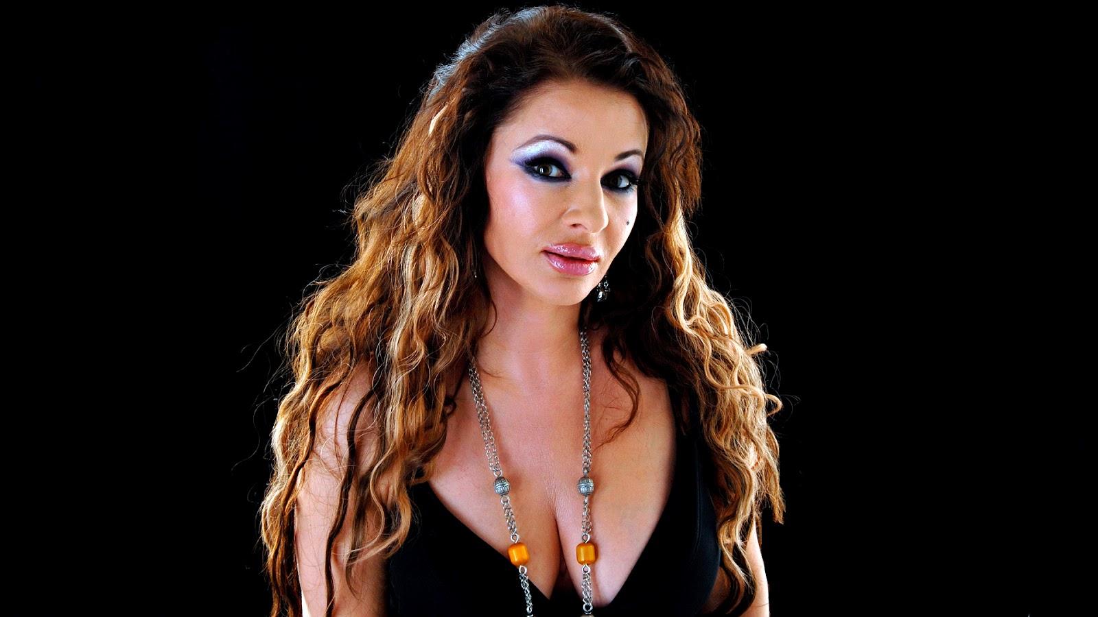 Natacha Atlas, Mısırlı müzisyen