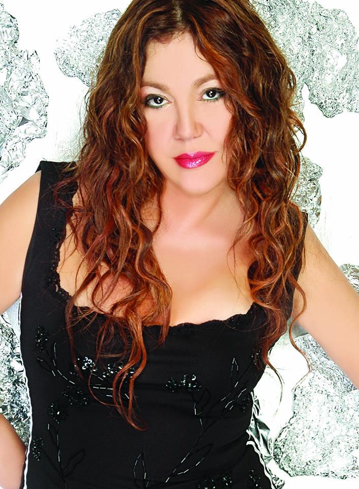 Nazan Öncel, şarkıcı, şarkı sözü yazarı ve besteci tarihte bugün
