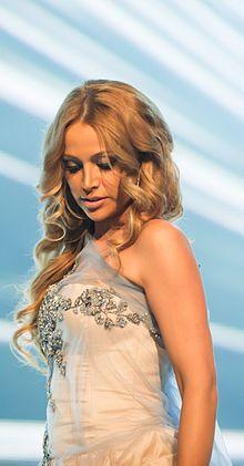 Nigar Cemal şarkıcı Doğumu
