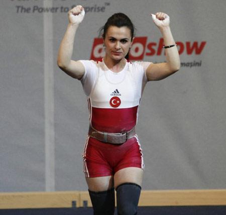 Nurcan Taylan sporcu, kadın halterci tarihte bugün