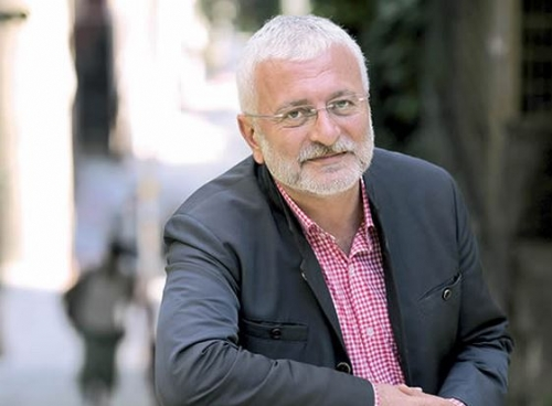 Onur Akın, özgün müzik sanatçısı tarihte bugün