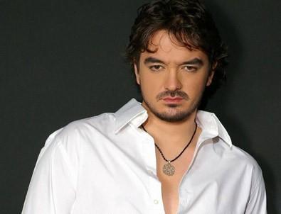 Orhan Ölmez, şarkıcı tarihte bugün
