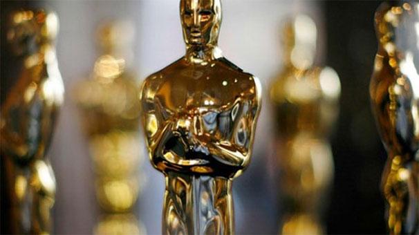 89'uncu Akademi Ödülleri  sahiplerini buldu. En iyi film ödülü Ay Işığı (Moonlight) filmine gitti. Ödül ilk önce yanlışlıkla La La Land olarak açıklandı. tarihte bugün