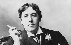 İrlanda doğumlu oyun yazarı Oscar Wilde. tarihte bugün