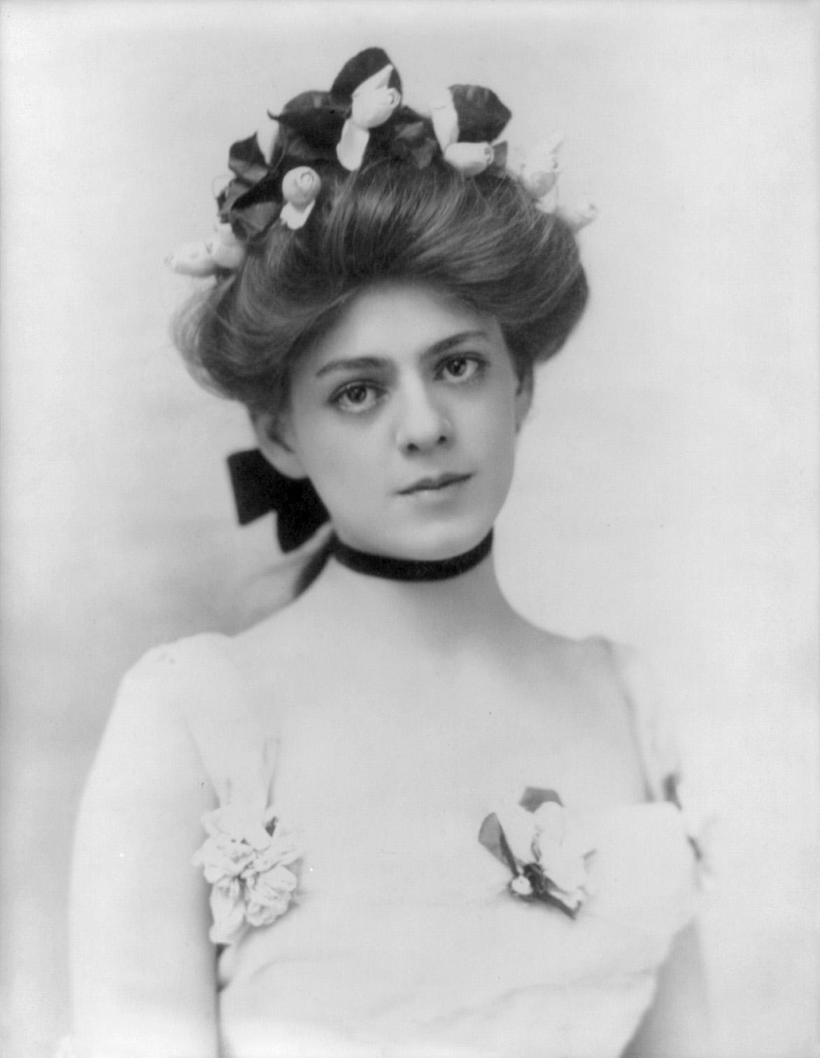 Ethel Barrymore, Amerikalı sinema ve tiyatro oyuncusu (DY-1879) tarihte bugün