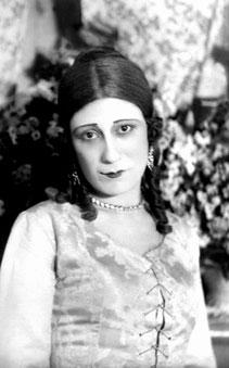 Sona Hacıyeva, Azerbaycanlı oyuncu (ÖY-1979) tarihte bugün
