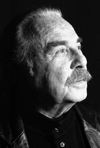 Özdemir Nutku, oyuncu, yazar, eleştirmen  tarihte bugün