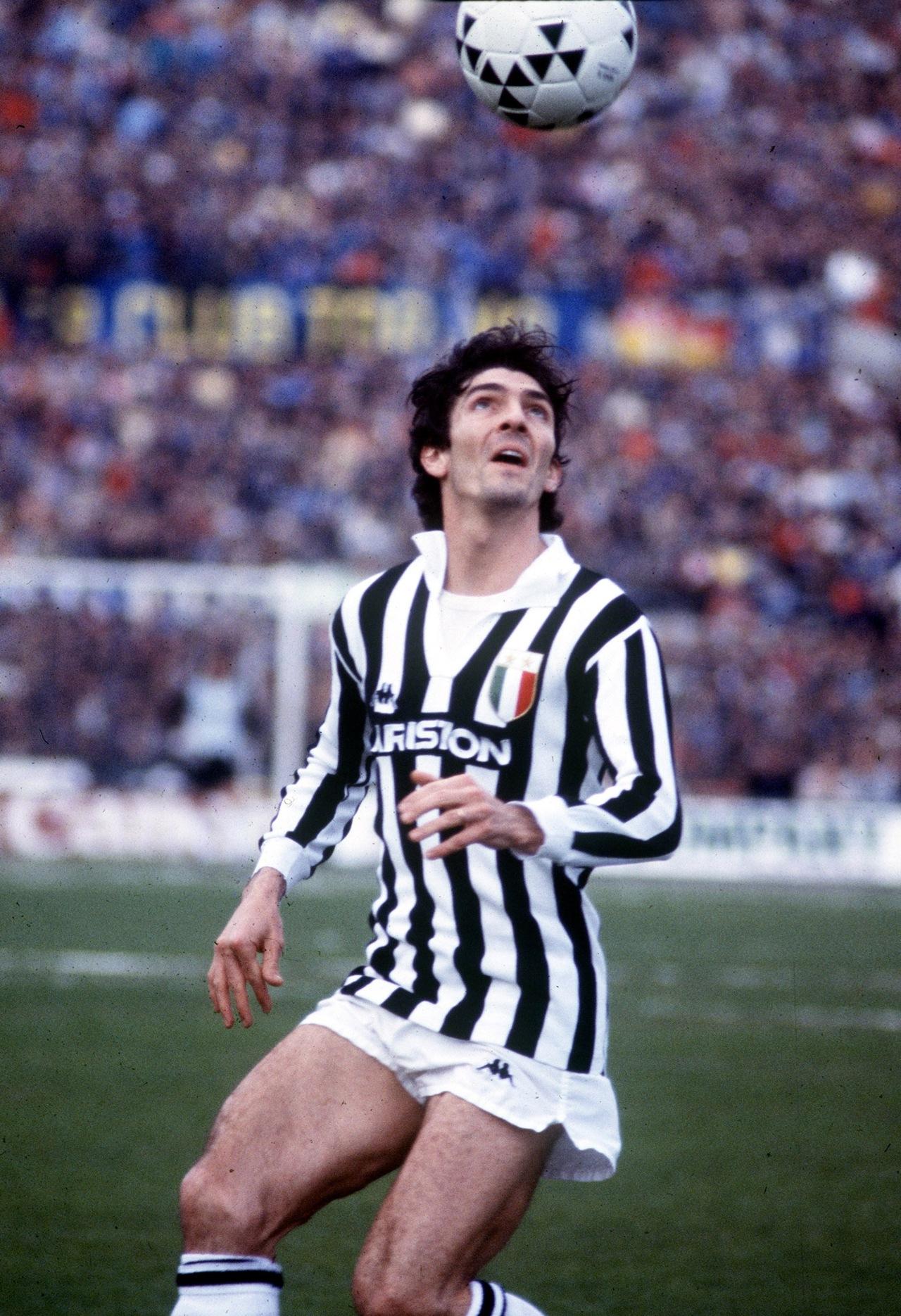 Paolo Rossi, italyalı futbolcu tarihte bugün